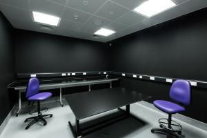 Image of dark room at FSNI laboratory